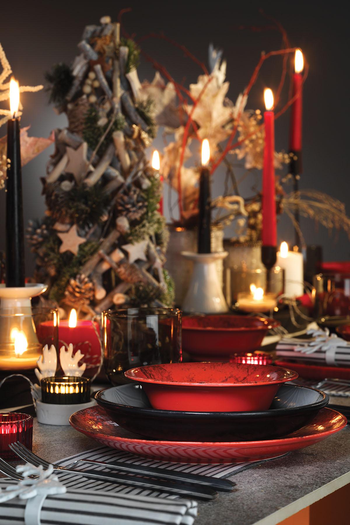 Kütahya Porselen 35x15 Cm Servis Tabağı Kırmızı