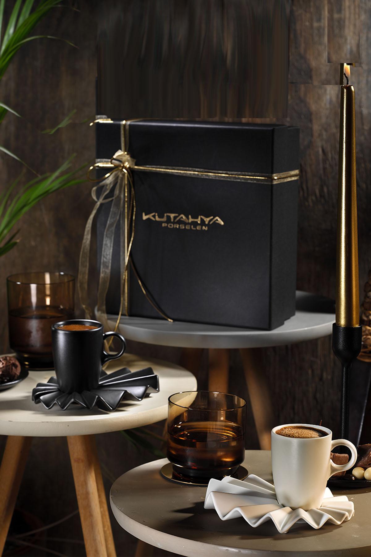 Corendon - Kütahya Porselen Adora Kahve Takımı Siyah & Krem