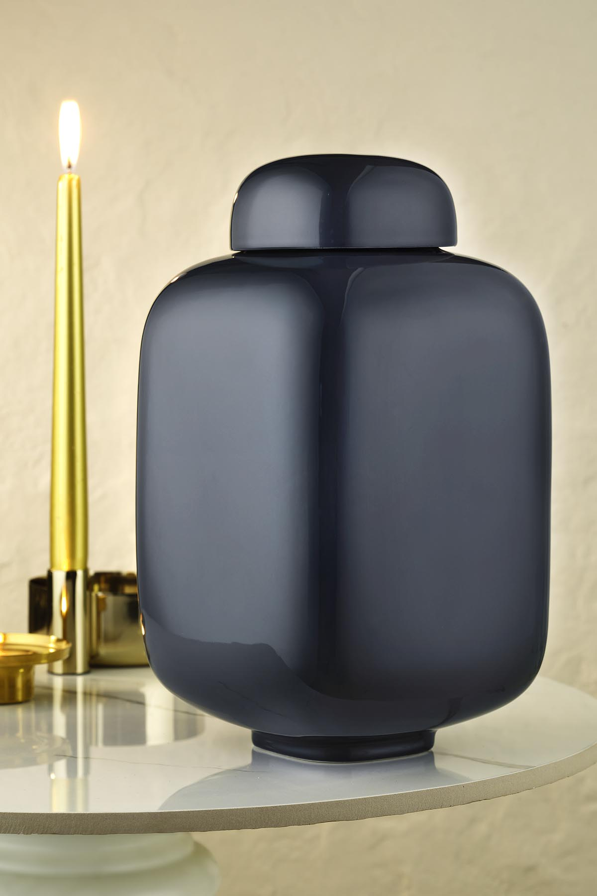 Kütahya Porselen Modern 29 Cm.Kapaklı Vazo Reaktif Sır Lacivert